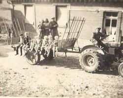 VILLIERS - ILLOIS - Famille Villiers à Compainville en 1958